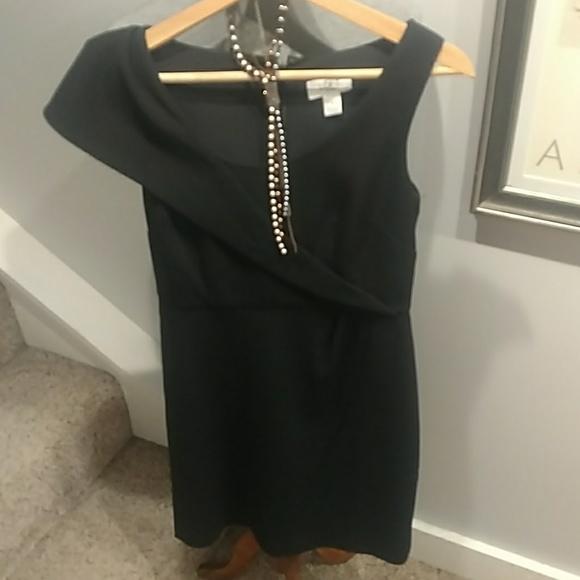 Ann Taylor Dresses & Skirts - The Perfect Black Dress Size 4P